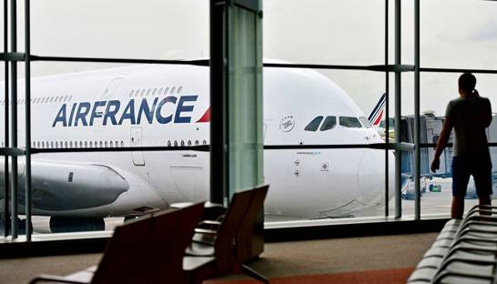 Under pressure Air France hires McKinsey for SWOT analysis